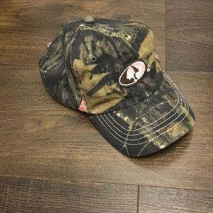 ⭐️LAST CHANCE Mossy Oak camo hat